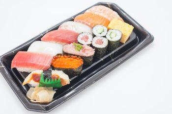 お寿司のパックの写真