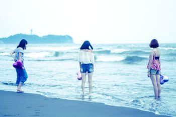 夏の終わりに女子3人で海に来ましたの写真