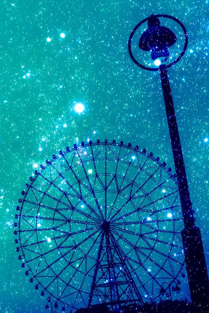 星空の観覧車の写真