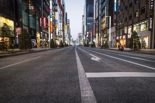 銀座歩行者天国(夕方)の写真