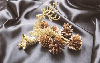 トナカイを型取ったクリスマスの飾りの写真