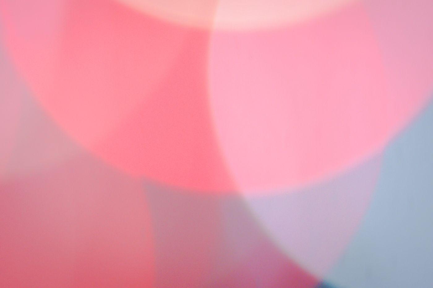 大きな赤色のボケ味の写真