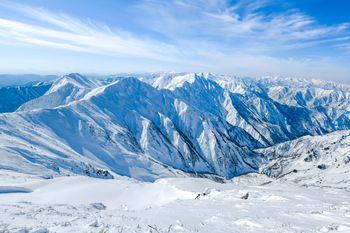 一ノ倉岳側から見る谷川岳主脈の写真