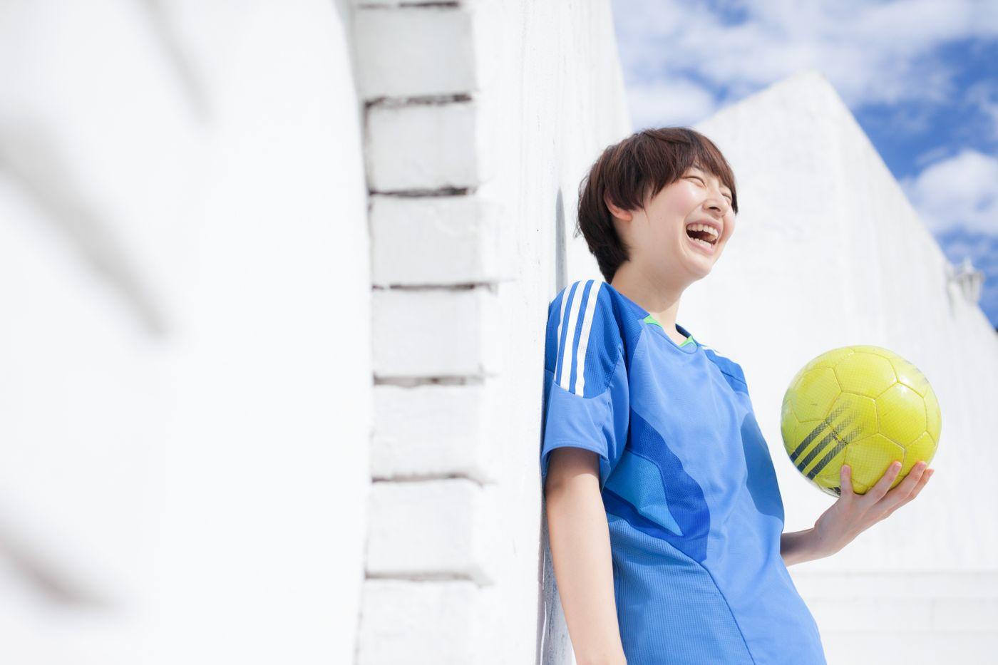 サッカー女子のオフショットの写真