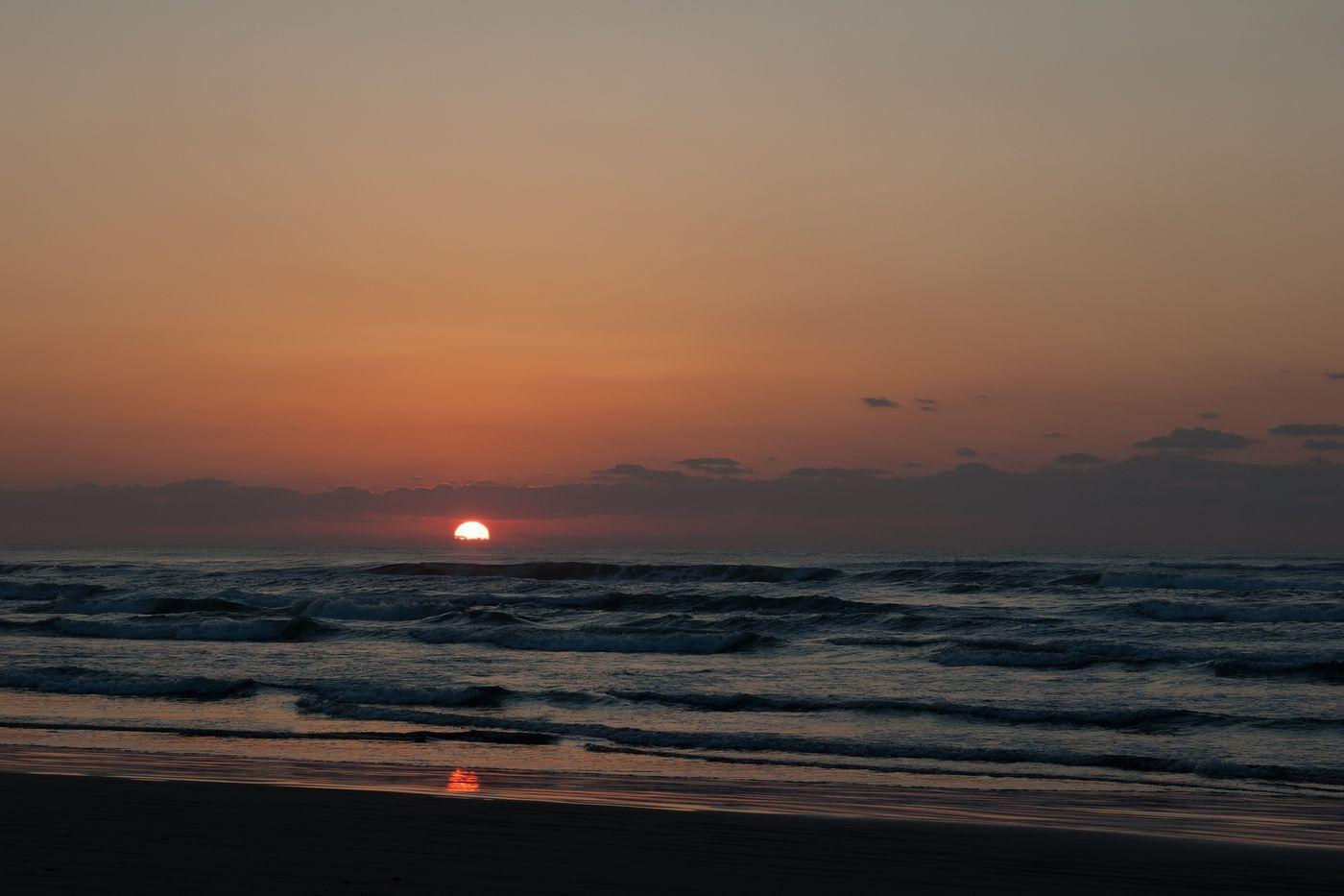 千里浜なぎさドライブウェイからの夕焼けの写真