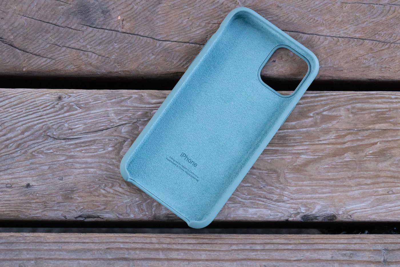 iPhone の純正ケースの写真