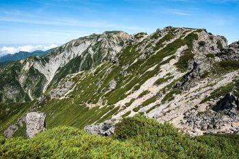 3峰から2峰への道(キレット縦走)の写真