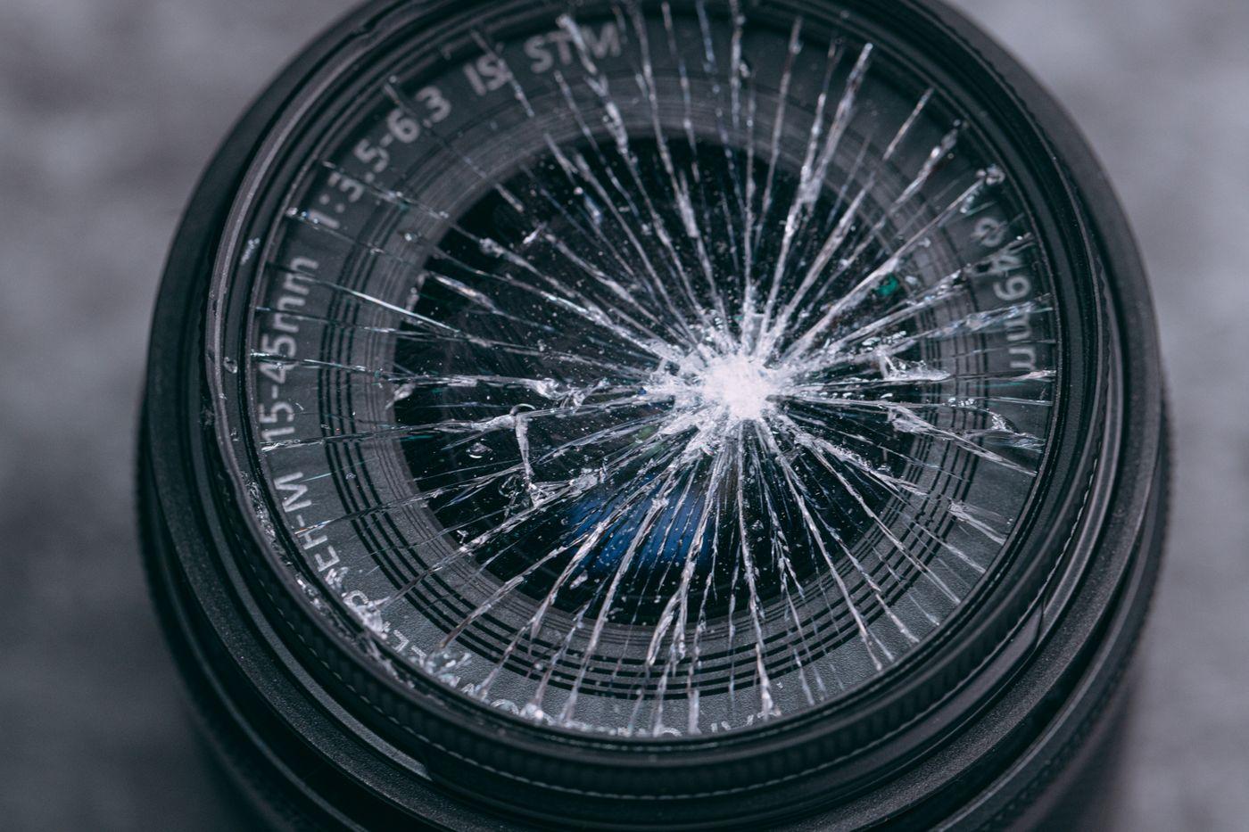 レンズ落として割ったンゴ・・・の写真