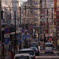 横浜の福富町の通りの写真