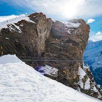 断崖絶壁のクリフウォーク(グリンデルワルト・スイス)の写真