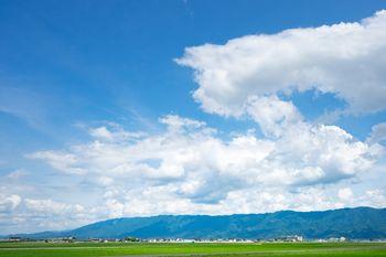 大刀洗の青空と畑の写真