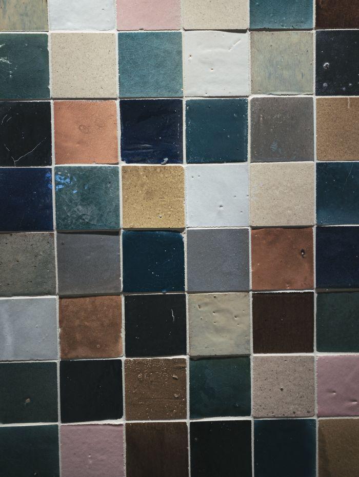 カラフルなタイル壁(テクスチャ)の写真