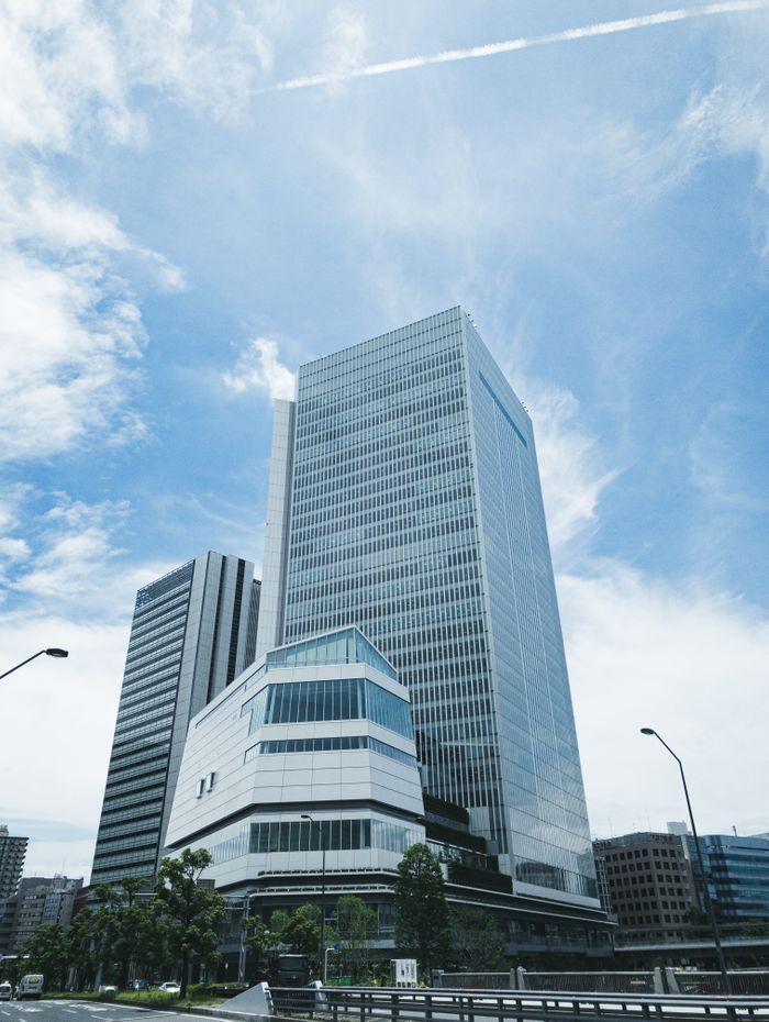 みなとみらい21エリアに移転した横浜市役所の写真